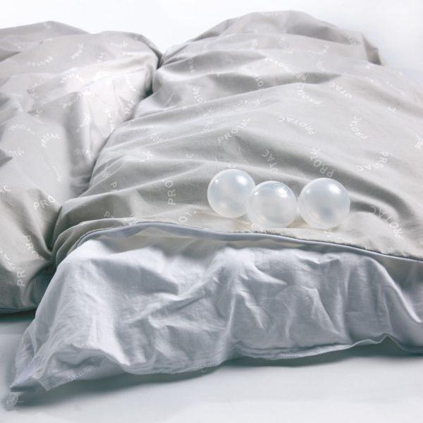 Tyngdtäcke Protac Bolltäcke™ Barn 25mm bollar Trevira CS ca 1.5 kg
