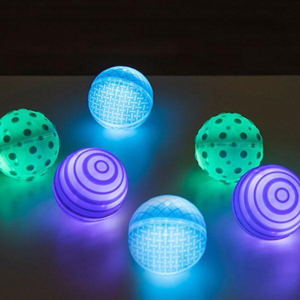 Taktila lysande bollar